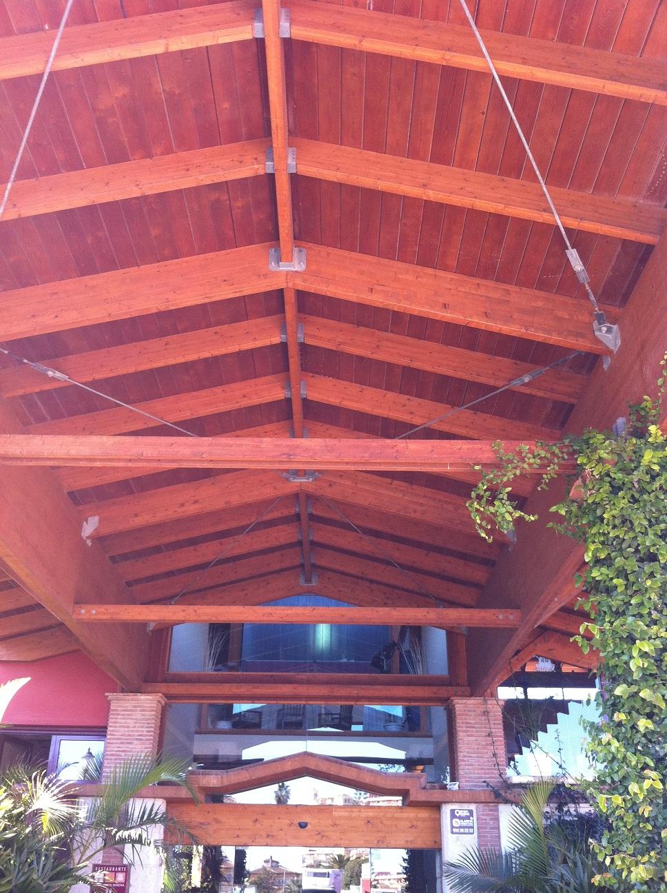 Pergolas y techos de madera en granada movidecor 2002 sl - Techos para pergolas de madera ...
