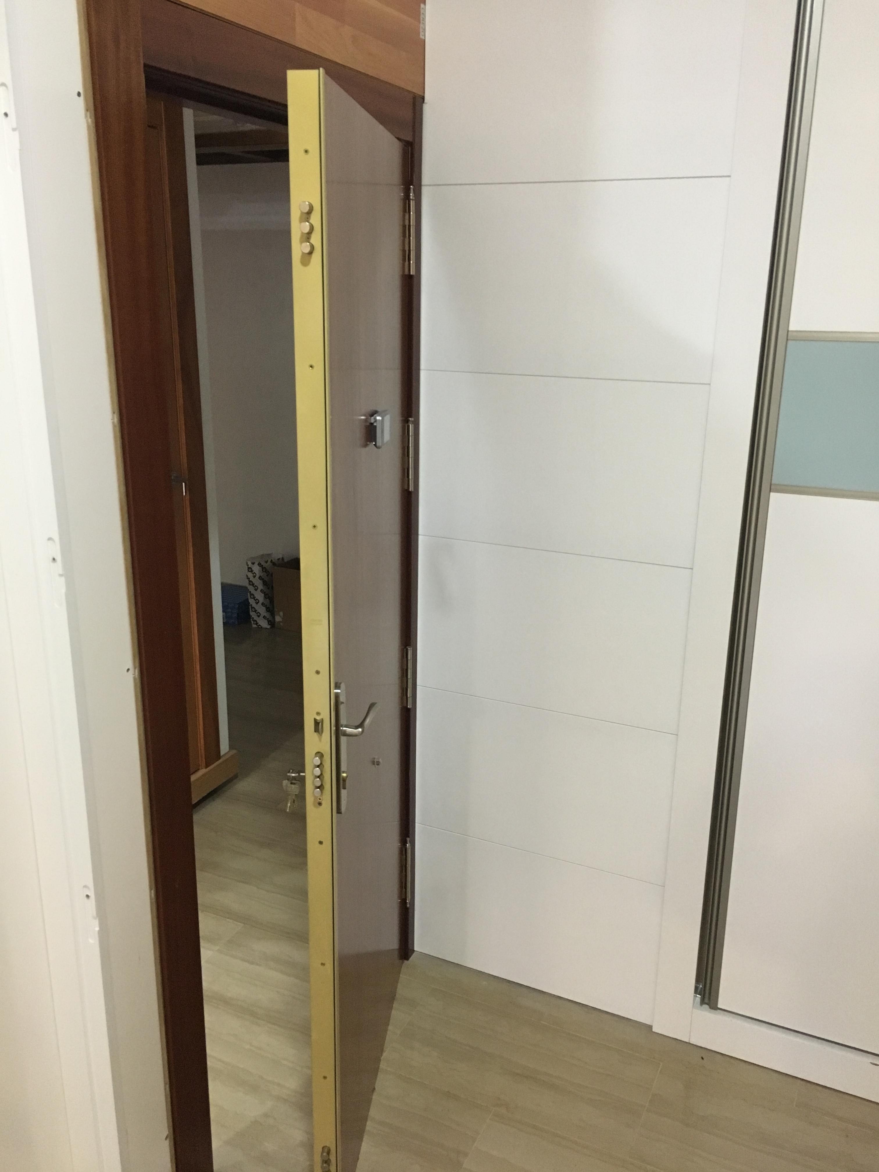 Movidecor 2002 sl puerta de entrada para piso - Aislar puerta entrada piso ...