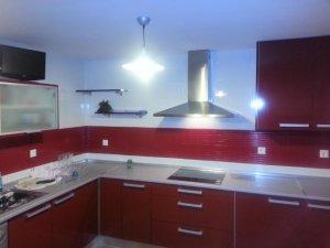 cocinas-lacadas-en-rojo