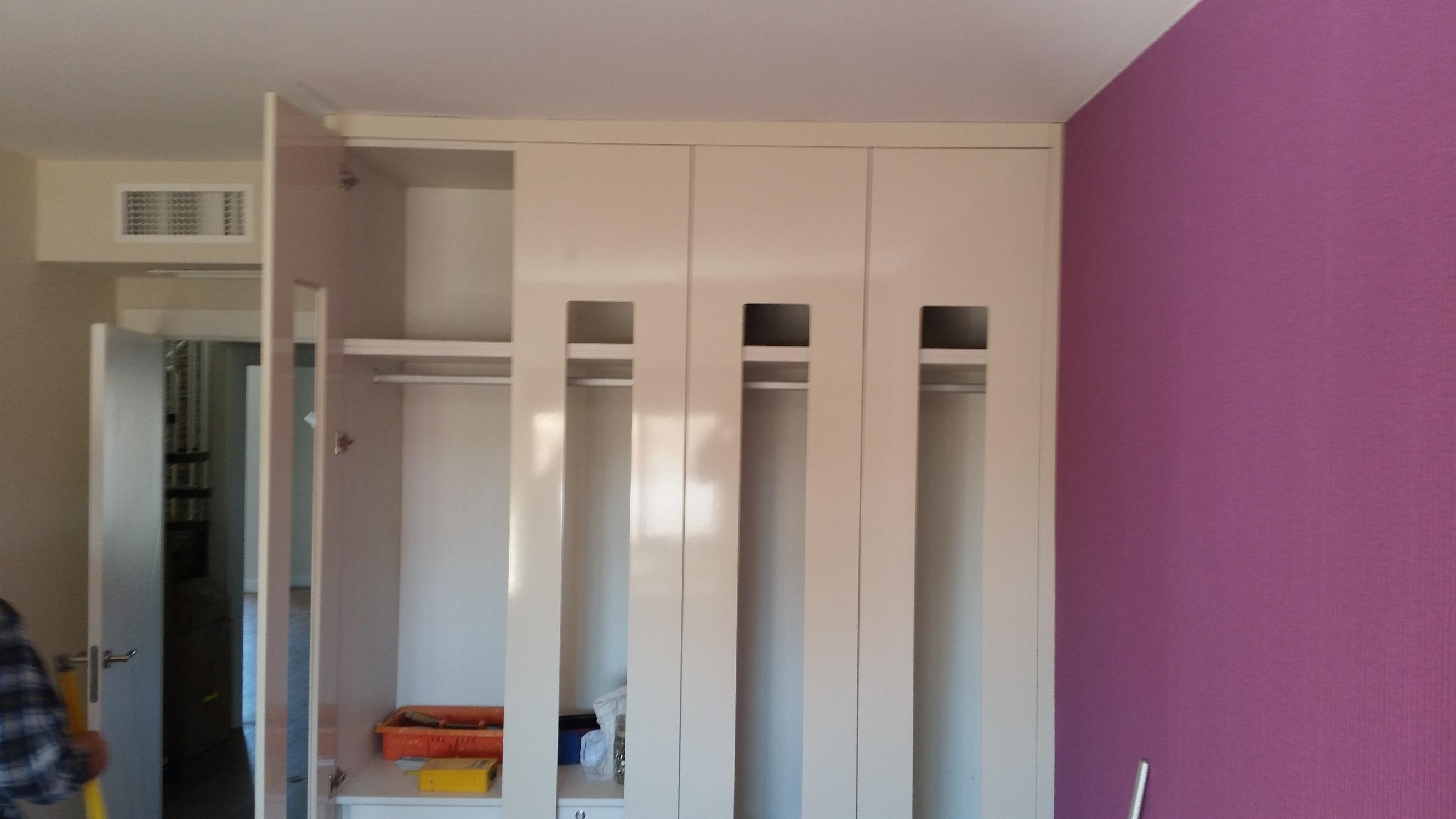 Armarios empotrados blanco elegant blanco puertas puerta for Puertas armarios empotrados