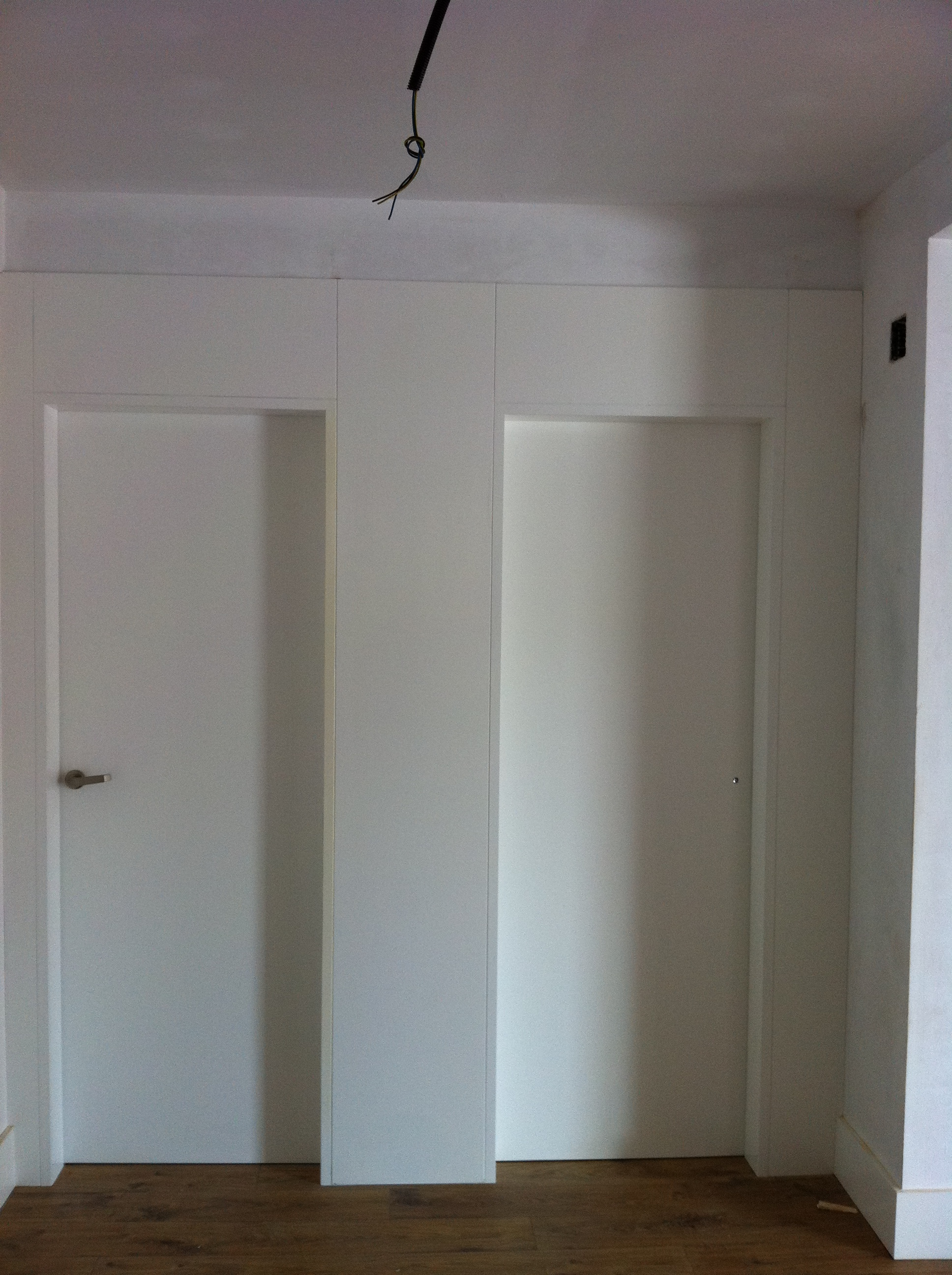 Trabajos realizados puertas lacadas blancas en granada - Puertas de madera en blanco ...