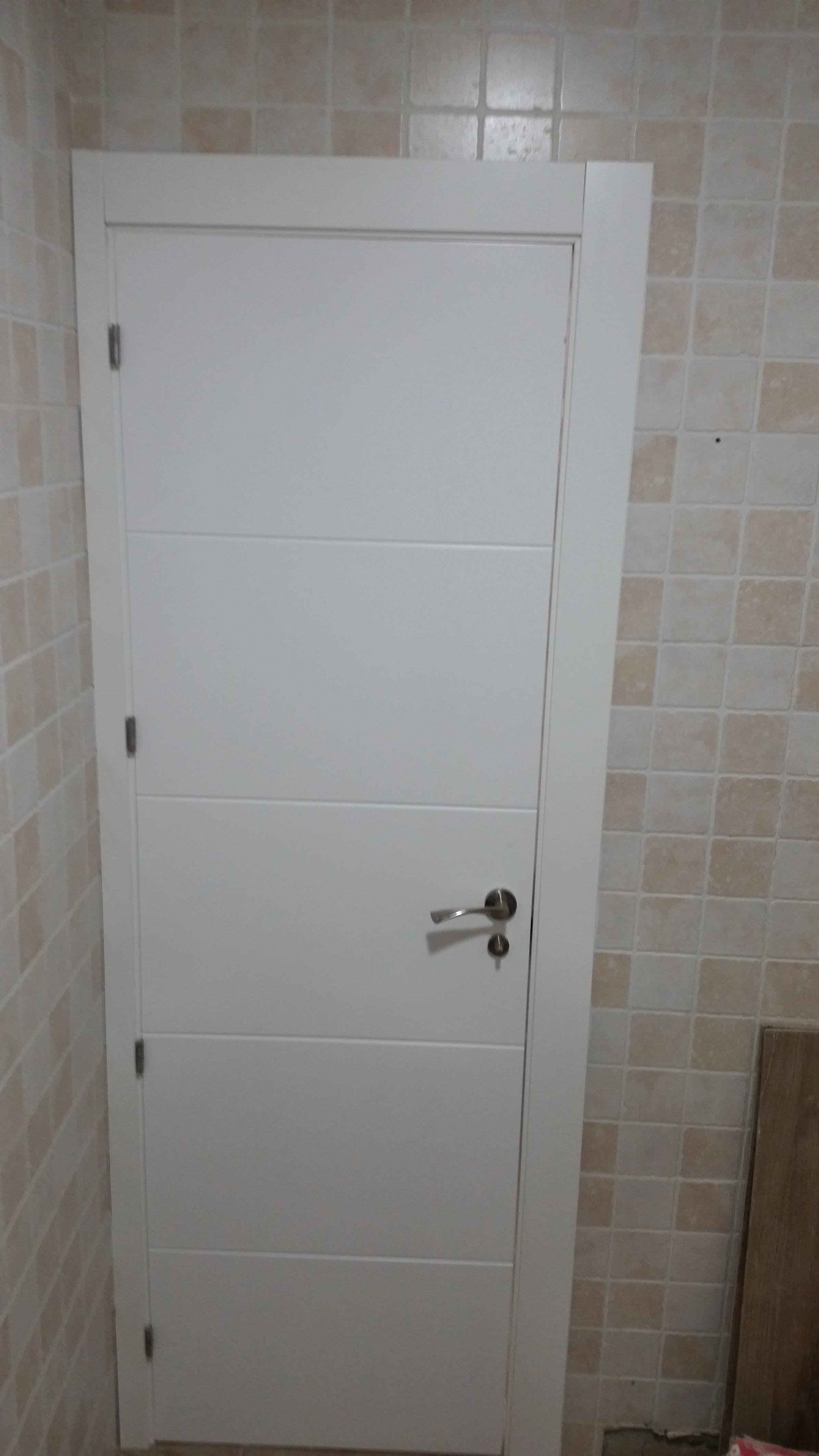 Trabajos realizados puertas lacadas blancas en granada - Puertas blancas con rayas ...