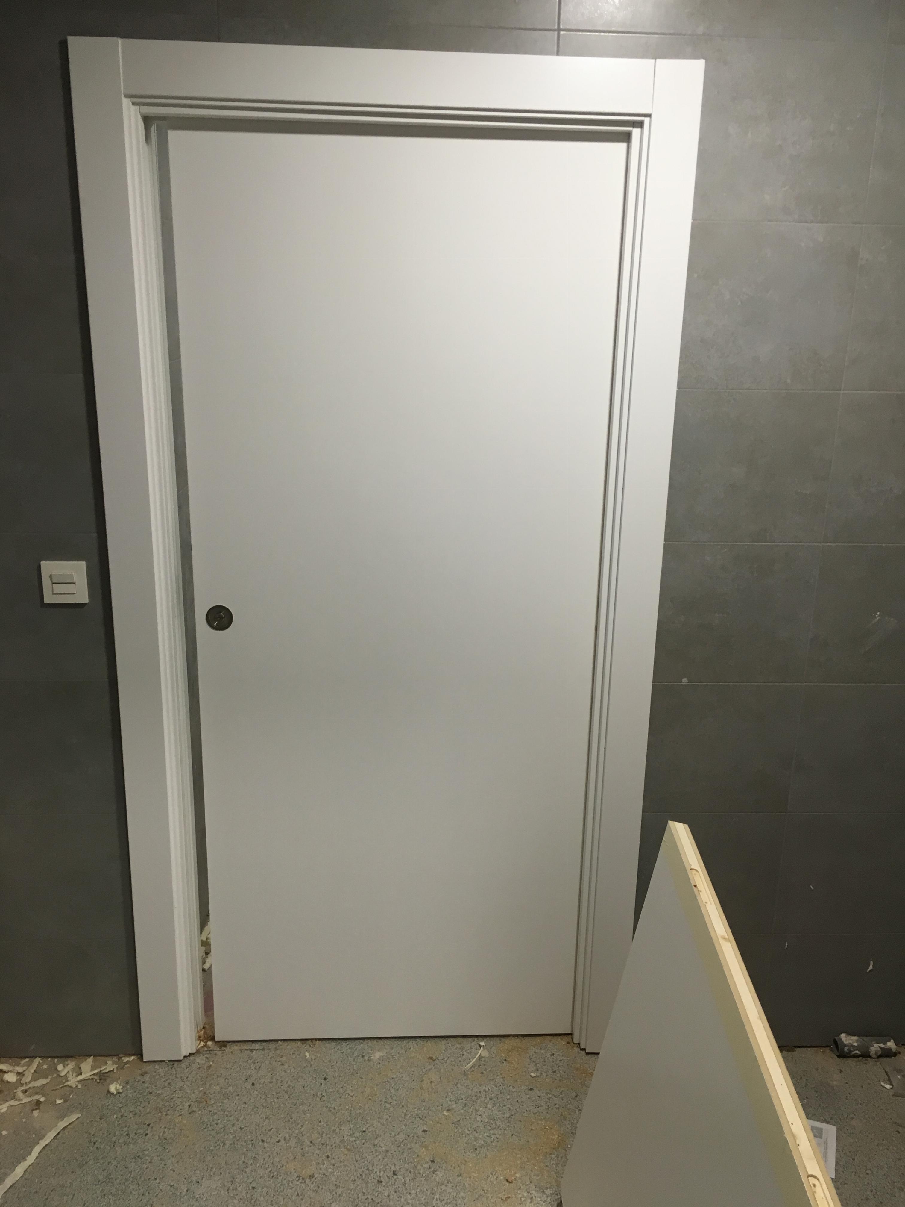 Movidecor 2002 sl puerta lacada en blanco para clinicas - Puerta lacada en blanco ...