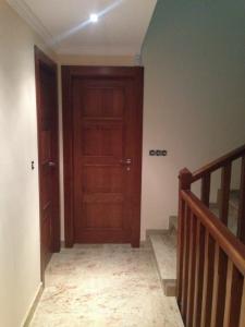 puertas-de-interior-de-madera-maciza-en-granada