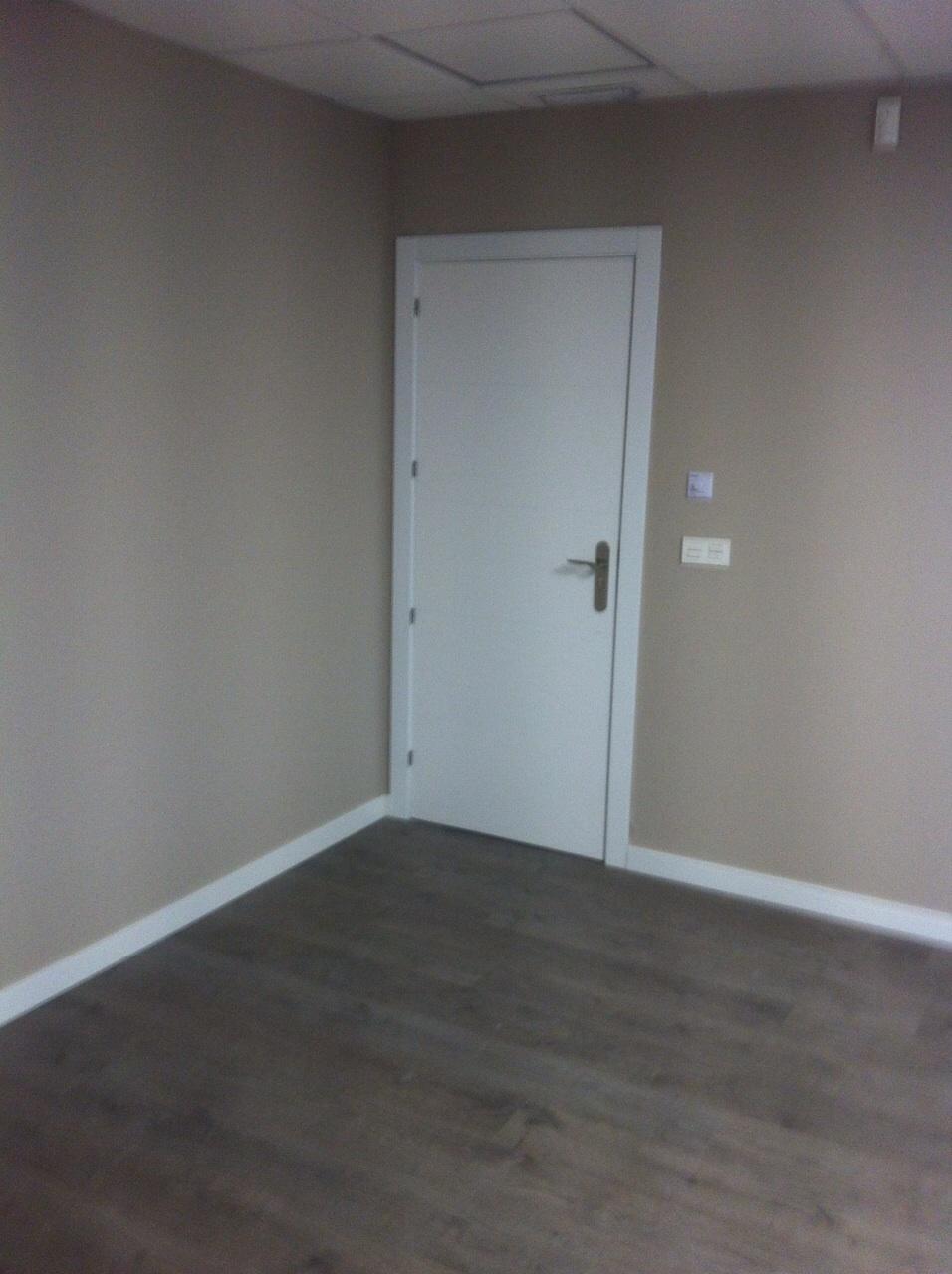 Trabajos realizados puertas lacadas blancas en granada for Puertas lacadas blancas baratas