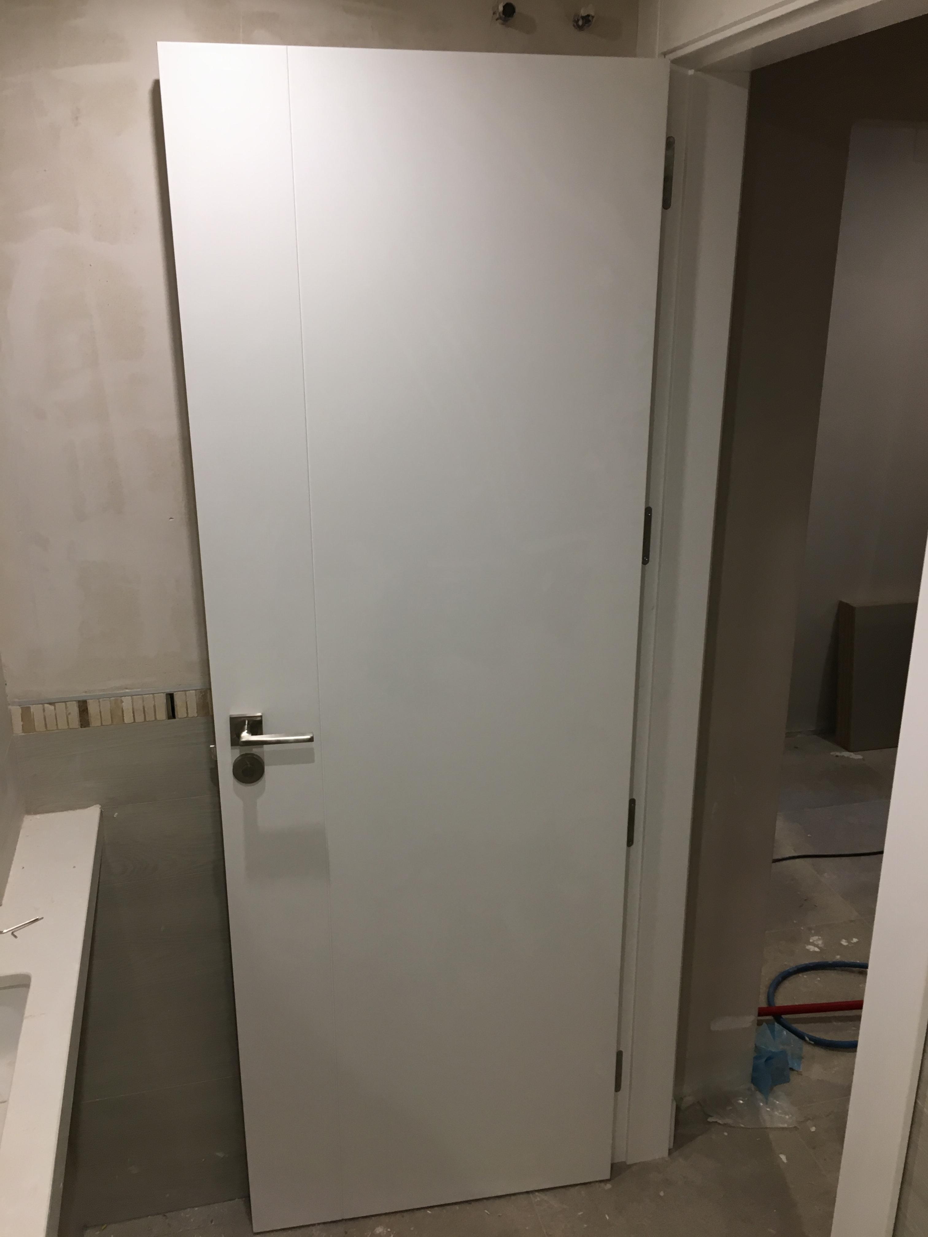 Puertas lacadas en blanco carpinteria movidecor granada - Puertas de paso lacadas en blanco ...