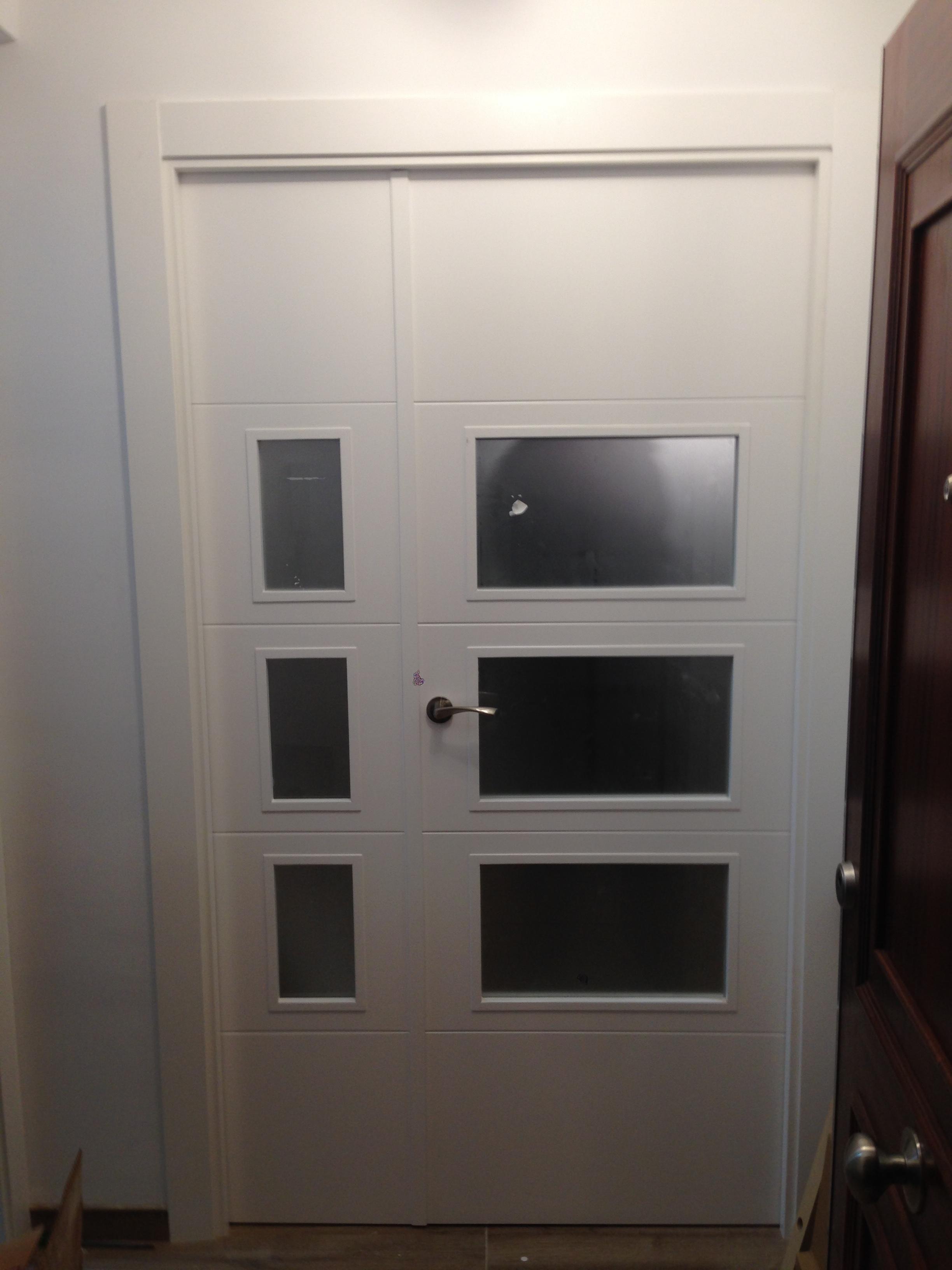 puerta-lacada-en-blanco-moderna