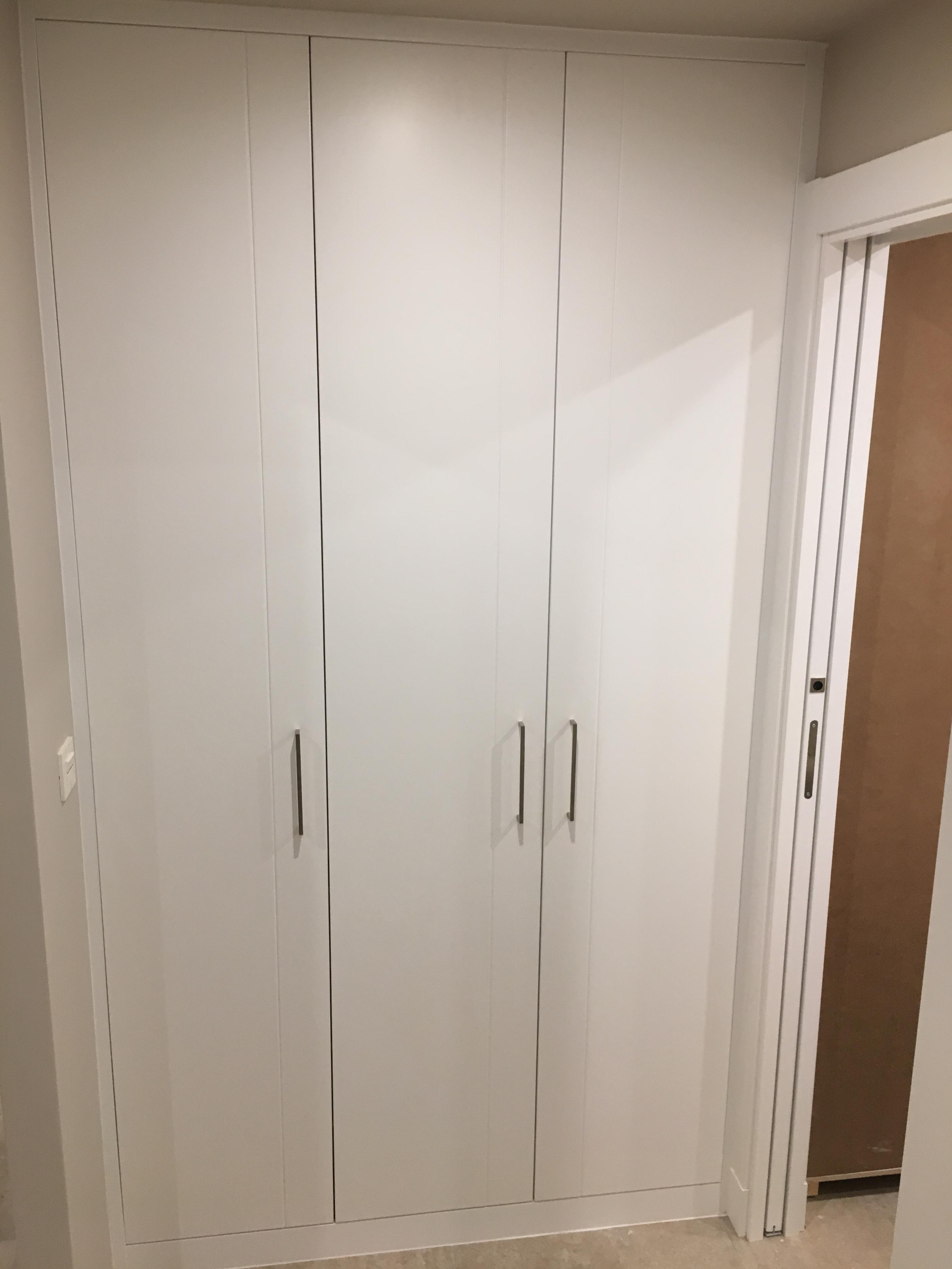 Armarios empotrados puertas great puertas armario with for Puertas armarios empotrados
