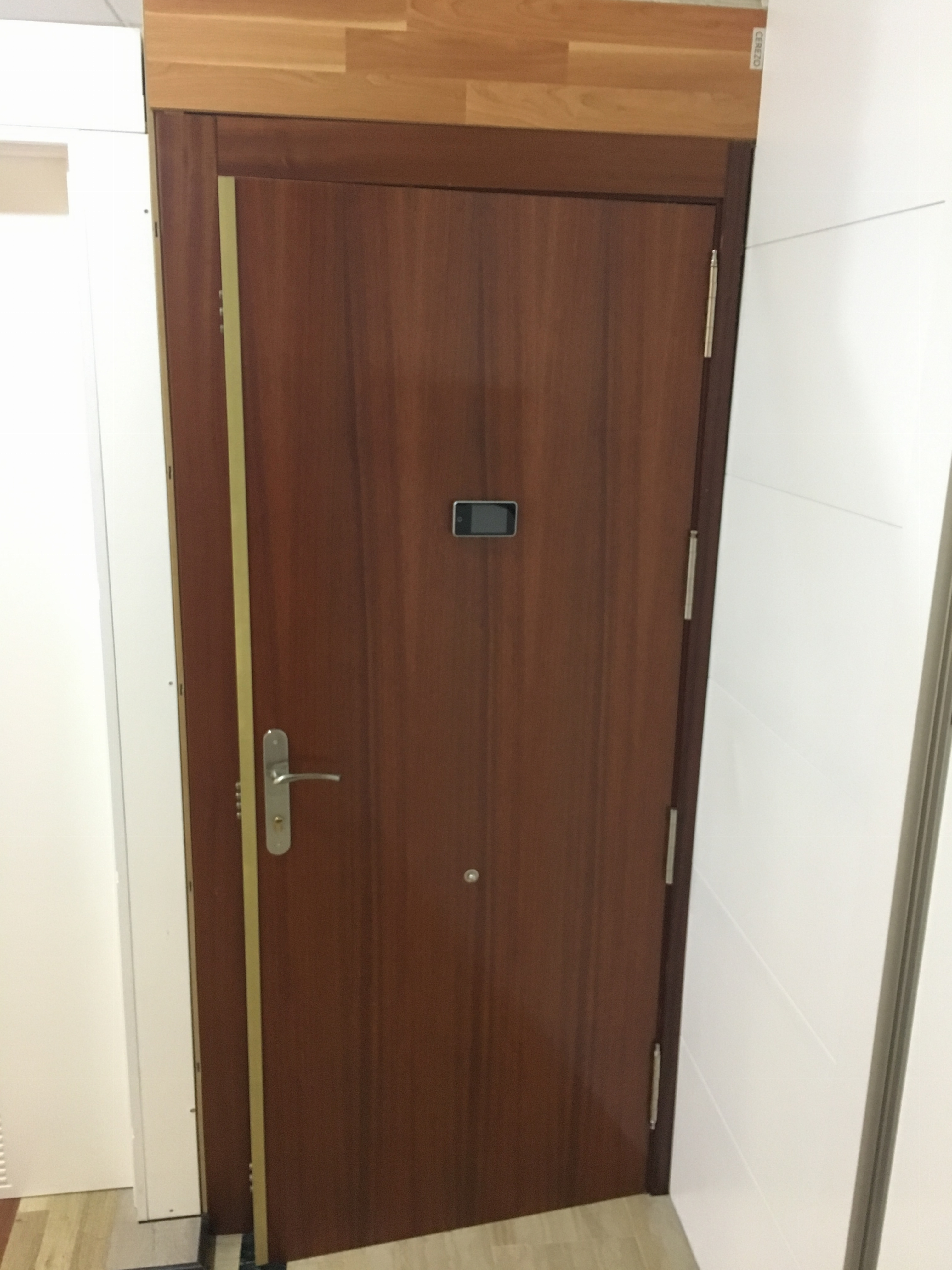 Puertas de entrada para pisos x cm anual anillo redondo d alfombras para sala computadora rea - Aislar puerta entrada piso ...