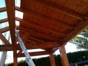 Poniendo techo de pergola