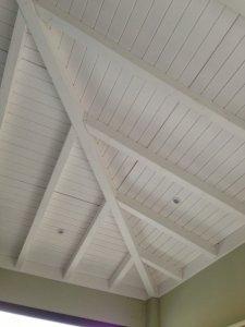techos de pergola de madera en blanco
