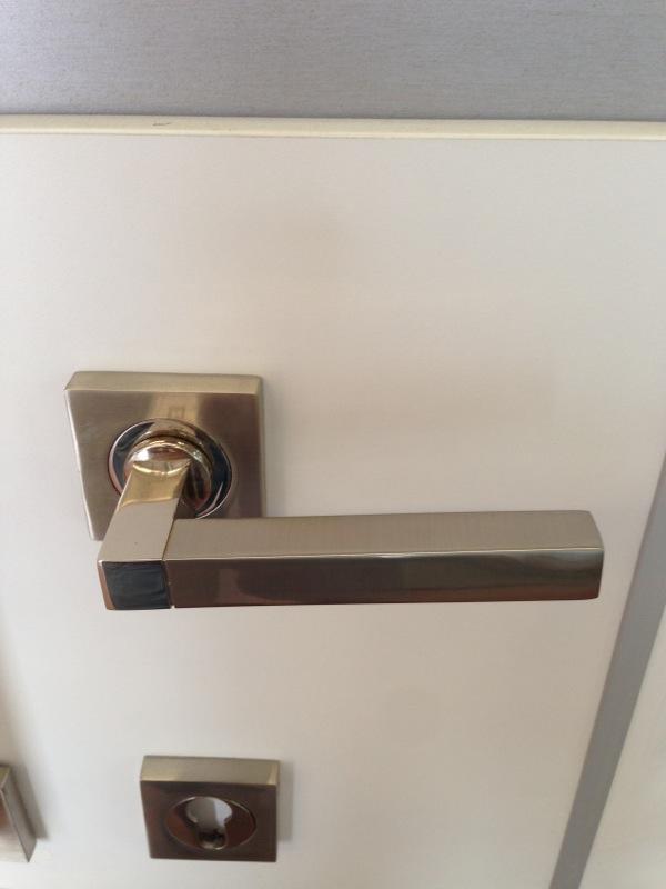 Manivelas y tiradores para puertas y armarios en granada - Manillas de puertas de interior ...