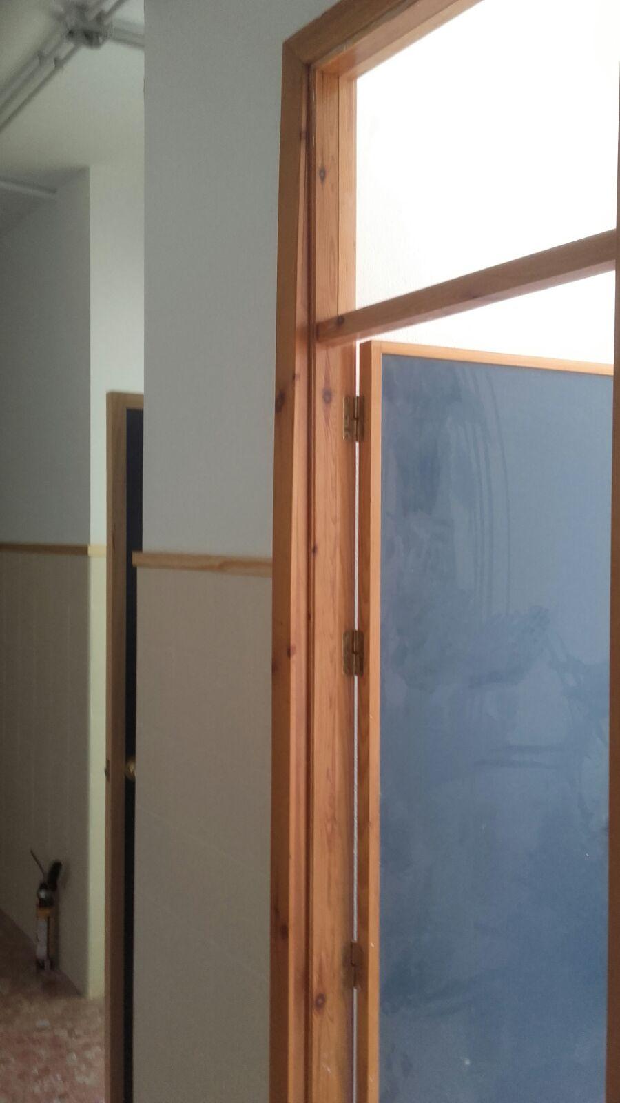 Marcos de madera para puertas en granada carpinteria movidecor granada - Marcos de puertas de madera ...