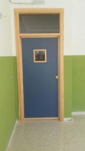 puertas-para-colegios-en-granada-con-cristal