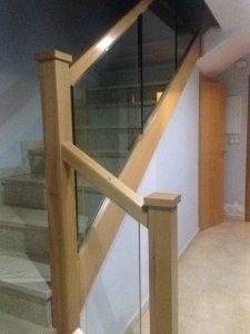 Barandas de madera con cristal