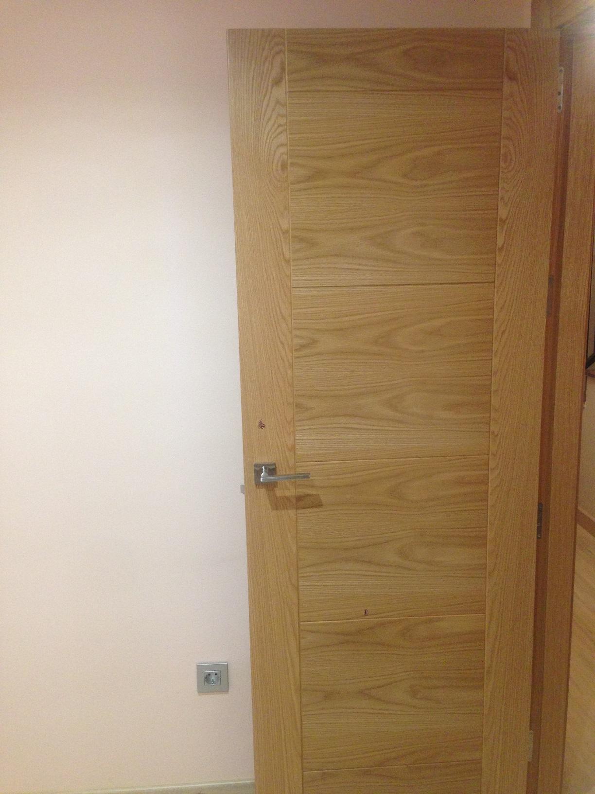 Empresa de puertas a medida en granada carpinteria for Puertas a medida