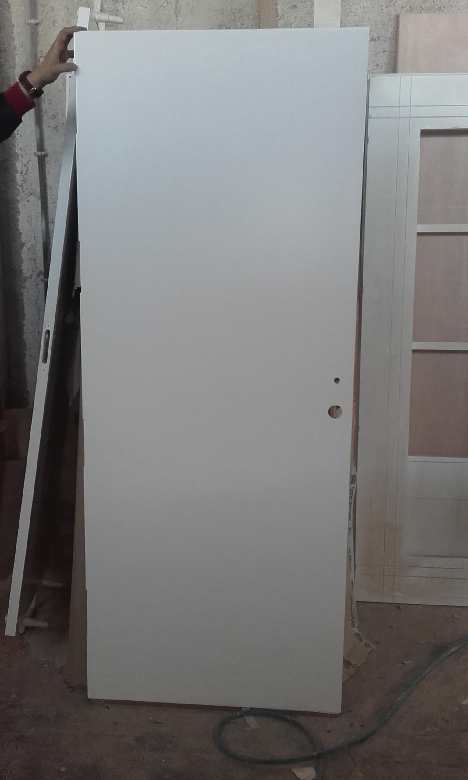 Trabajos realizados puertas lacadas blancas en granada - Lacado de puertas en blanco ...