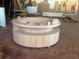 Fabricando a medida mostrador de madera redondo