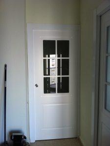 puerta-blanca-con-cristales