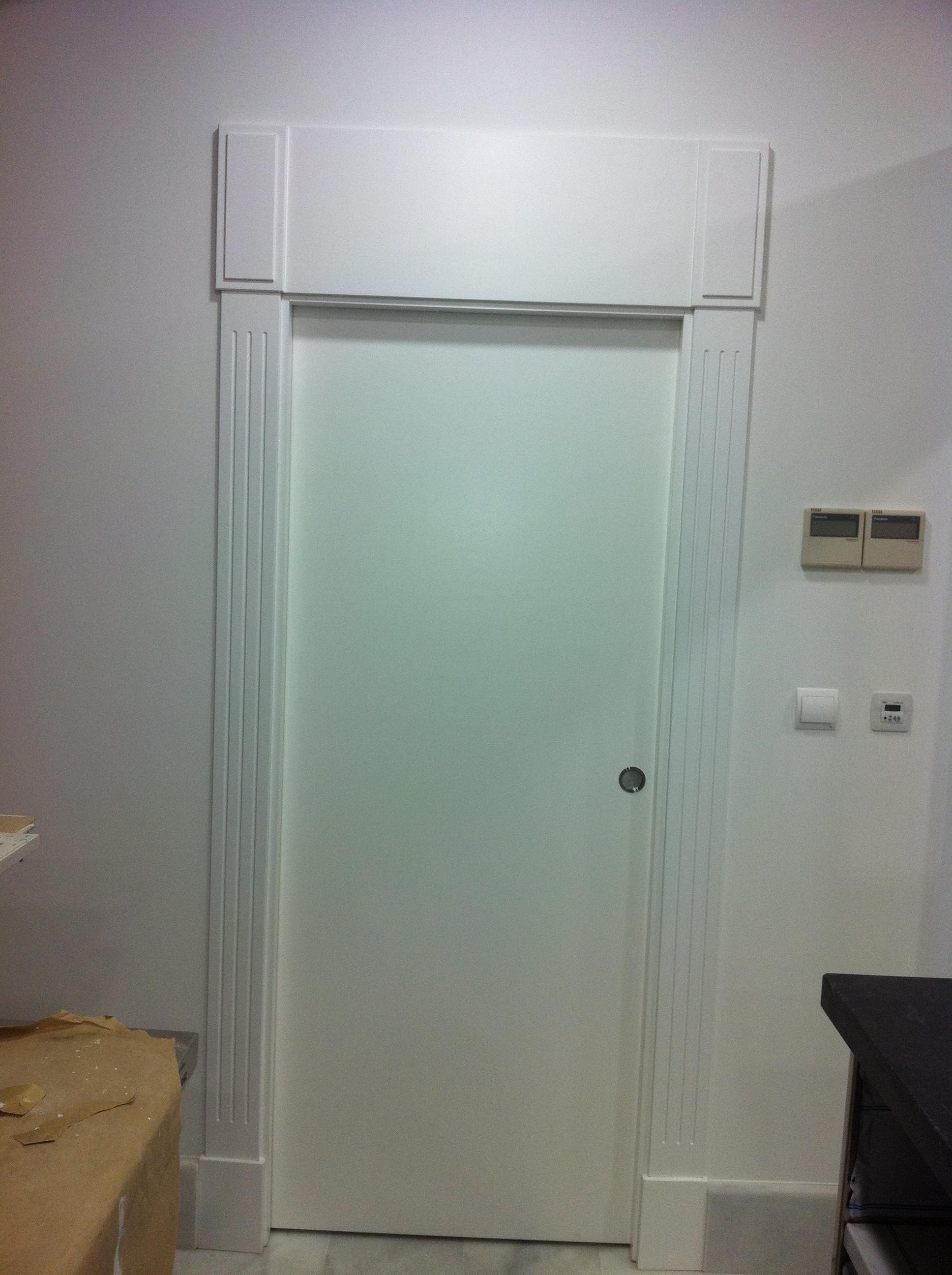 Puertas correderas de paso interior carpinteria movidecor granada - Instalacion de puerta corredera ...