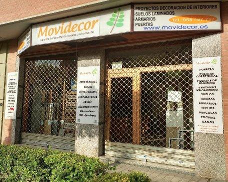 fachada de tienda de decoración y carpintería Movidecor Granada