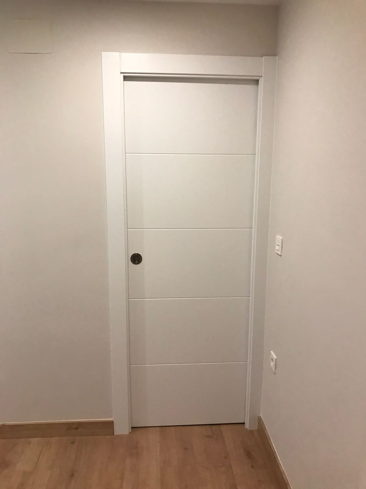 Trabajos realizados puertas lacadas blancas en granada - Puertas lacadas en blanco opiniones ...