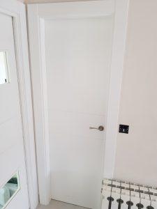 venta con instalación de puertas de interior lacadas en blancas