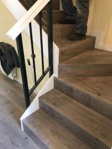 suelo laminado escaleras