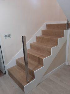 instalacion escalera de madera en granada