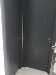 Puertas lacadas color girs